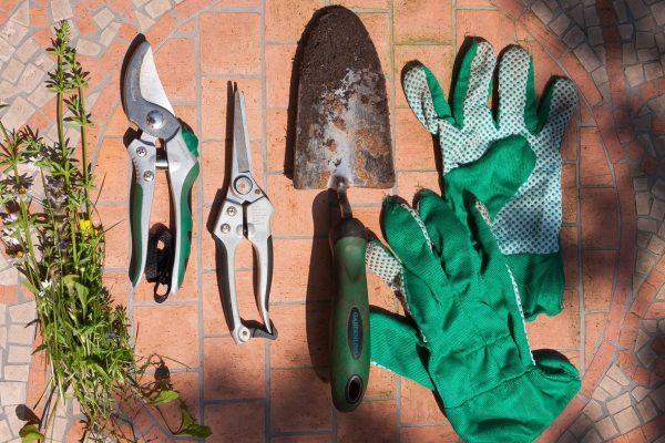 Így öltözz fel megfelelően a kerti munkákhoz!